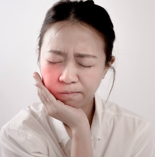 Is a permanent retainer painful?